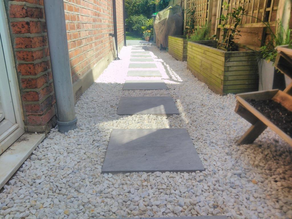 Oilcanfinish Landscaping Pavestone Porcelain Stepping Stones and Cotswold Chippings
