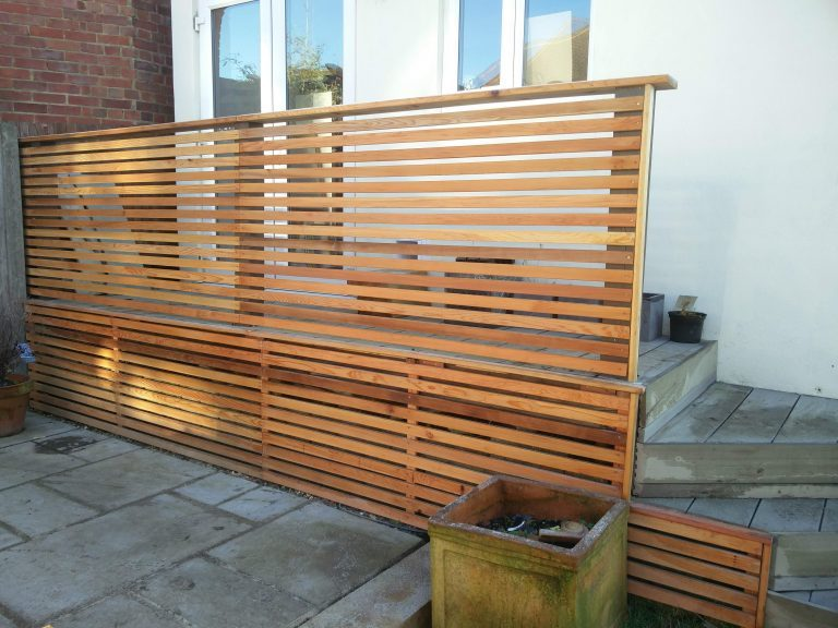 Canadian Western Red Cedar Slatted Screen Fence