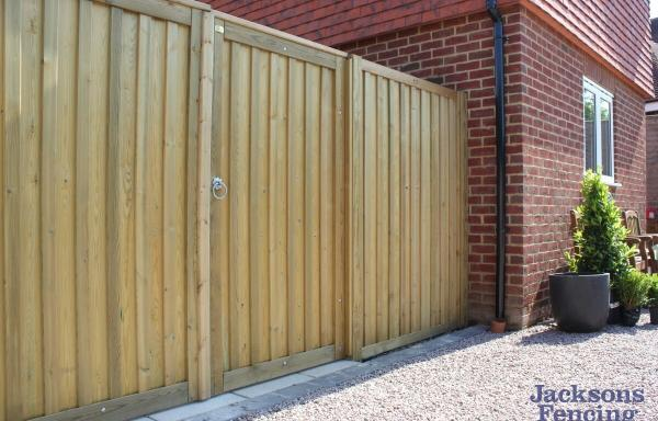 Jacksons Fencing Chilham Double Sided Gates