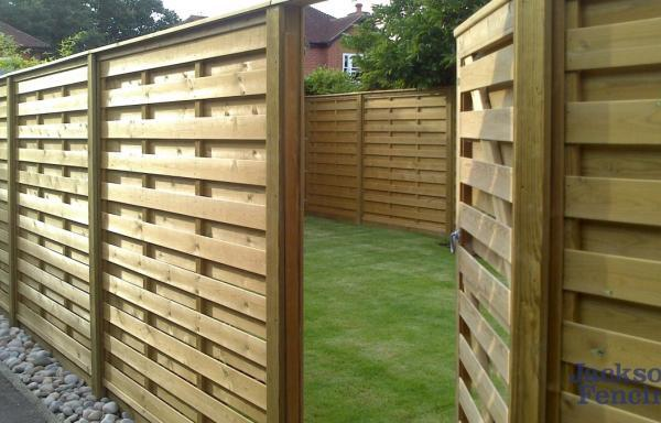 Jacksons Fencing Horizontal Hit And Miss Fence Panels