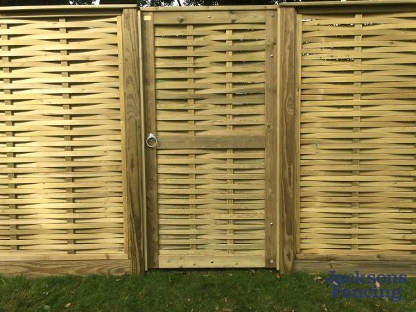 Jacksons Fencing Woven Gate Oilcanfinish Landscaping